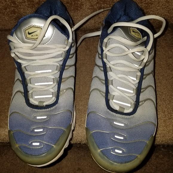 b7aeded320 Vintage 2000 Nike Airmax plus. M_5cf7c989bb22e3f63bc81462
